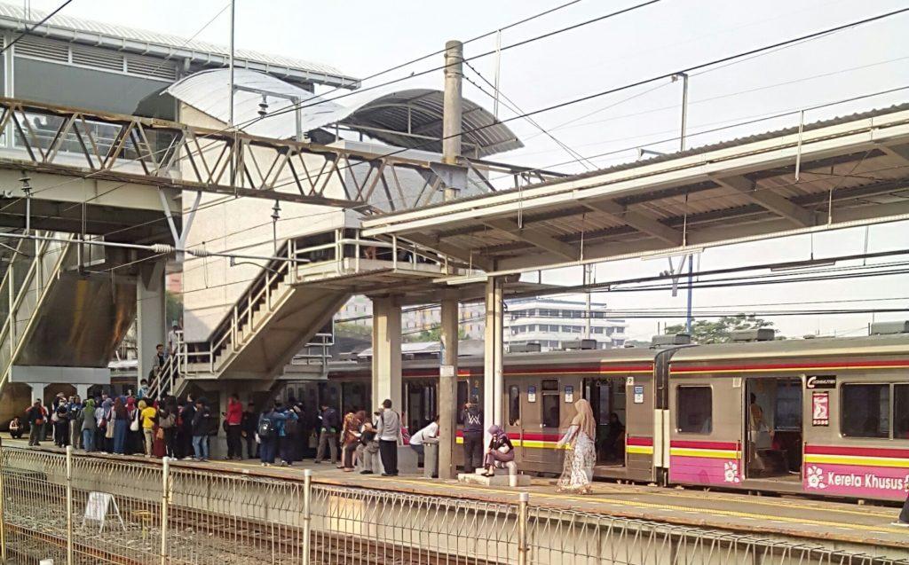 JPO Tanah Abang Transiter Terlantar ditinggal kereta
