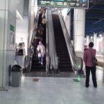 Eskalator stasiun Palmerah mati dan tidak berfungsi