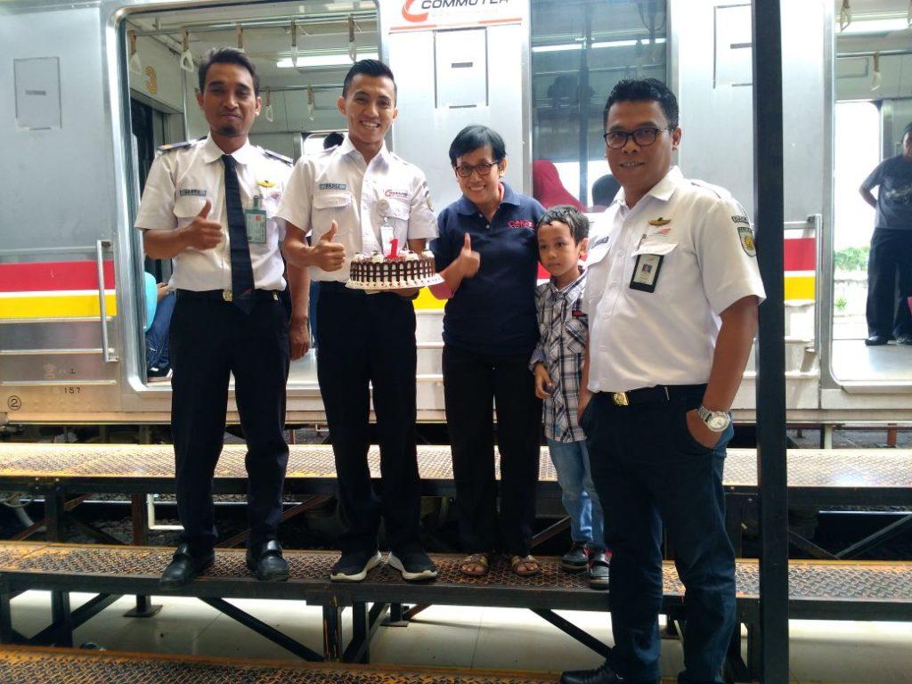 REVIEW : 1 Tahun KRL Commuter Line Rangkasbitung - Tanah Abang