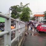 Perbaiki Saluran Air Stasiun Rawabuntu