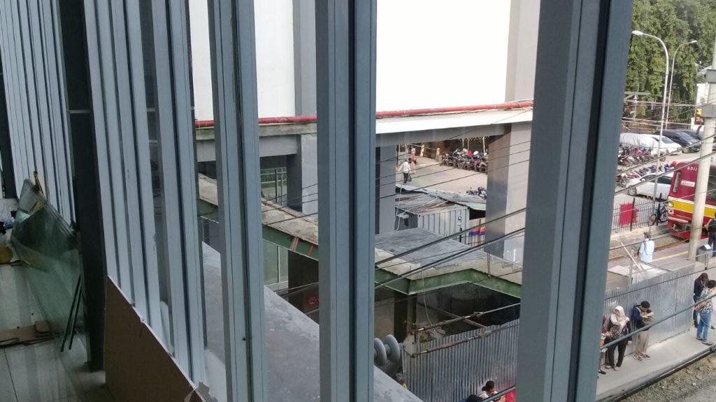Sensasi Stasiun Duri : Segera Rampung Tangga Manual, JPO Dan Atap Peron
