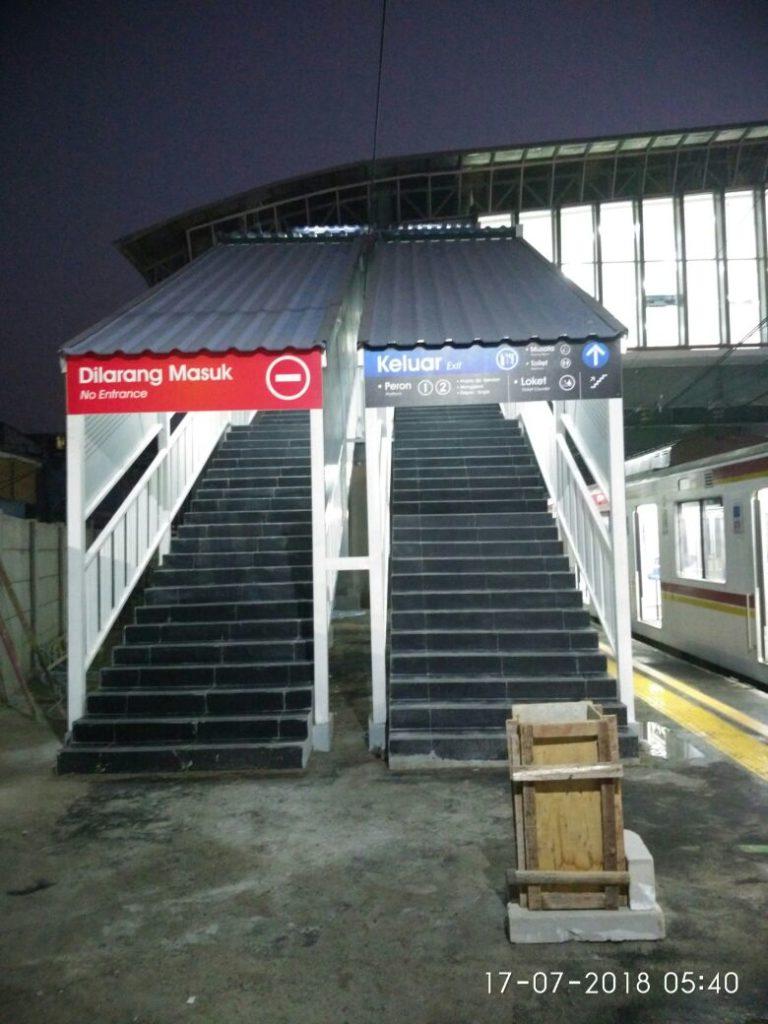 Sensasi Stasiun Duri : Horeeee... Akhirnya JPO Stasiun Duri Difungsikan