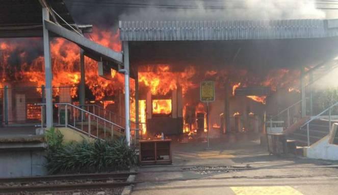 Stasiun Klender Kebakaran