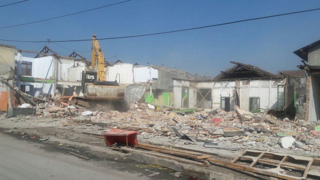 Pembongkaran Ruko : Dimulainya Pembangunan Hall Baru stasiun Rangkasbitung